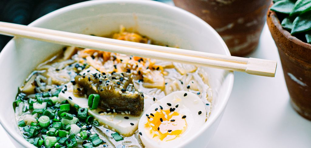 how-to-cook-egg-in-ramen