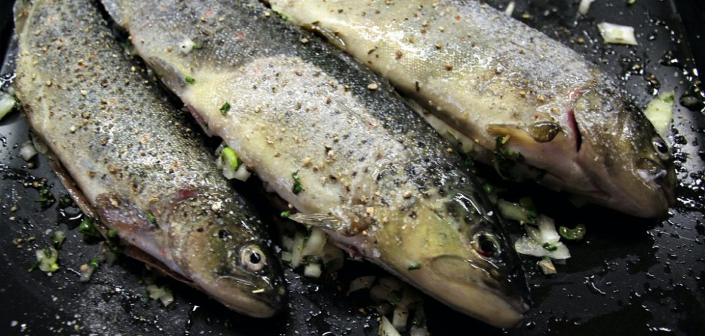 Steamed Fish with Fried Garlic