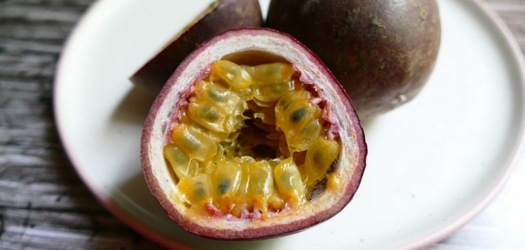 What does passion fruit taste like